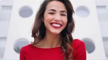 Colgate Optic White Platinum TV Spot, 'Beauty Bloggers' Featuring Marianna Hewitt, Jade Kendle - Thumbnail 6