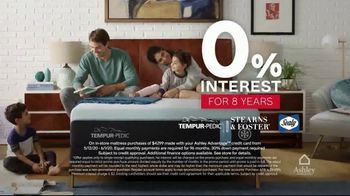 Ashley HomeStore Memorial Day Mattress Sale TV Spot, 'Zero Percent Interest' - Thumbnail 5