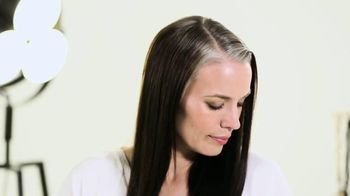 Toppik Root Touch Up Spray TV Spot, 'Are Your Roots Showing?' - Thumbnail 6