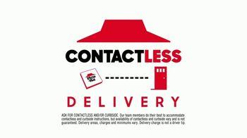 Pizza Hut TV Spot, 'Social Distancers' - Thumbnail 6