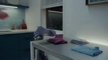 Samsung Smart Laundry TV Spot, 'Connected Appliances: Laundry' Song by Beginners & Freedo - Thumbnail 4