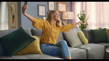 Rooms to Go TV Spot, 'Make the Most of Every Space' Featuring Julianne Hough - Thumbnail 5
