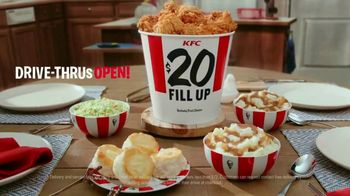 KFC $20 Fill Up TV Spot, 'Homestyle Cookin' Without the Cookin: Contactless Delivery' - Thumbnail 6