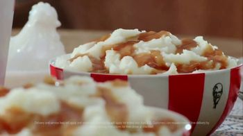 KFC $20 Fill Up TV Spot, 'Homestyle Cookin' Without the Cookin: Contactless Delivery' - Thumbnail 5