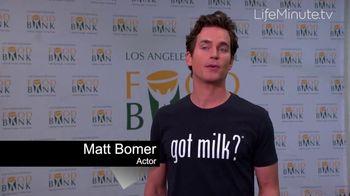 LifeMinute TV TV Spot, 'Food for Thought Initiative' Featuring Matt Bomer, Jaime Camil - Thumbnail 4