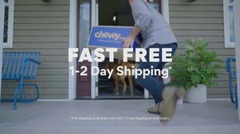 Chewy.com TV Spot, 'The Walk' - Thumbnail 10