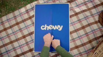 Chewy.com TV Spot, 'Chow Time' - Thumbnail 1
