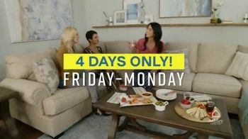 Ashley HomeStore Weekend Sale TV Spot, '20% Off Storewide and Financing' - Thumbnail 6