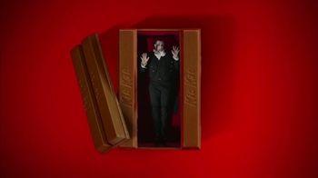 KitKat TV Spot, 'Vampire Alarm Clock' - Thumbnail 4