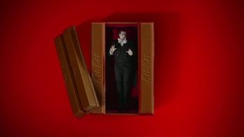 KitKat TV Spot, 'Vampire Alarm Clock' - Thumbnail 5