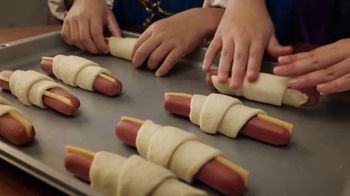 Pillsbury TV Spot, 'Dinnertime Means Magic Time' - Thumbnail 5
