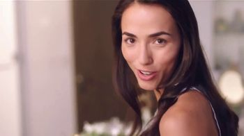 Olay  Regenerist TV Spot, 'Not Your Mama's' [Spanish] - Thumbnail 3