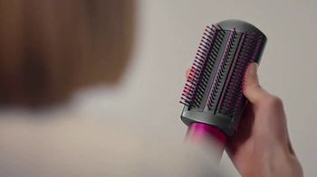Dyson Airwrap Styler TV Spot, 'With Barrels To Curl Hair' - Thumbnail 6