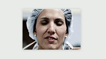 Colgate TV Spot, 'Until They Can Show Their Smiles Again, Let's Share Ours' - Thumbnail 8