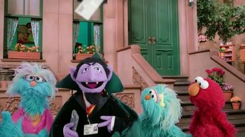 Sesame Workshop TV Spot, 'Make Your Family Count' - Thumbnail 4