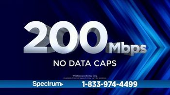 Spectrum TV and Internet TV Spot, 'Got Game: 200 Mbps' - Thumbnail 4