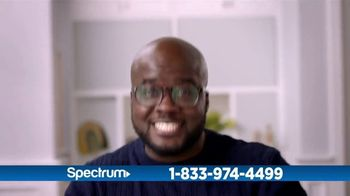 Spectrum TV and Internet TV Spot, 'Got Game: 200 Mbps' - Thumbnail 9