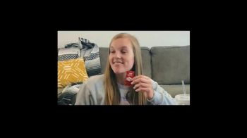 Taco Bell $5 Chalupa Cravings Box TV Spot, 'Friends' - Thumbnail 1