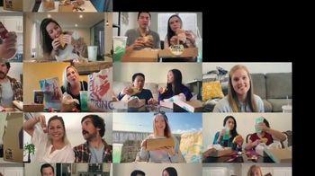 Taco Bell $5 Chalupa Cravings Box TV Spot, 'Friends' - Thumbnail 3