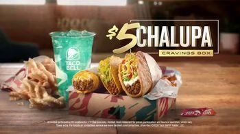Taco Bell $5 Chalupa Cravings Box TV Spot, 'Friends' - Thumbnail 9