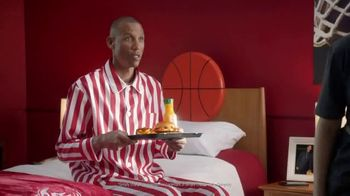 Wendy's TV Spot, 'Live-In Guest' Featuring Reggie Miller - Thumbnail 5