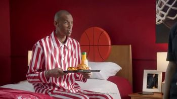 Wendy's TV Spot, 'Live-In Guest' Featuring Reggie Miller - Thumbnail 6