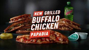 Papa John's Grilled Buffalo Chicken Papadia TV Spot, 'Bullseye' - Thumbnail 8