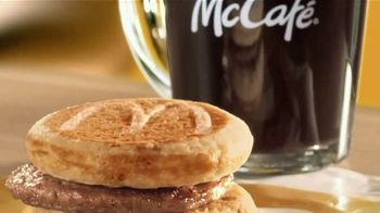 McDonald's Buy One, Get One for $1 TV Spot, 'Un solo desayuno' [Spanish] - Thumbnail 3