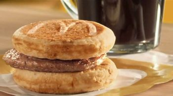McDonald's Buy One, Get One for $1 TV Spot, 'Un solo desayuno' [Spanish] - Thumbnail 4