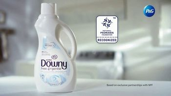 Downy Free & Gentle TV Spot, 'Stiff Clothes' - Thumbnail 9
