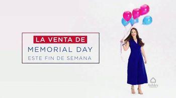 Ashley HomeStore Venta de Memorial Day TV Spot, '25 por ciento de descuento' [Spanish] - Thumbnail 2