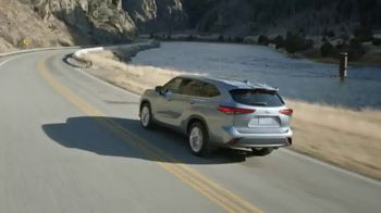 2020 Toyota Highlander TV Spot, 'Aggressively Styled' [T2] - Thumbnail 2