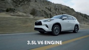 2020 Toyota Highlander TV Spot, 'Aggressively Styled' [T2] - Thumbnail 3