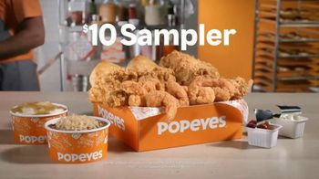 Popeyes $10 Sampler TV Spot, 'Viene con algos para todos' [Spanish] - Thumbnail 7