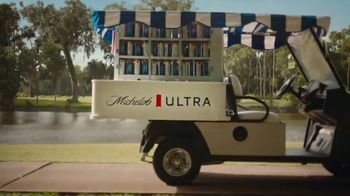 Michelob ULTRA TV Spot, 'A Superior Beer Cart' - Thumbnail 6