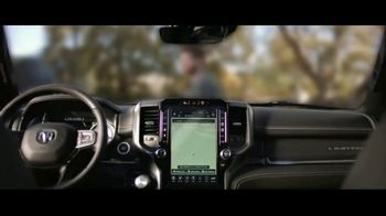 Fiat Chrysler Automobiles TV Spot, 'Drive Forward: Full Line' Song by One Republic [T1] - Thumbnail 5