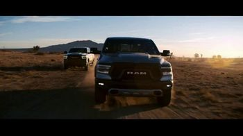 Fiat Chrysler Automobiles TV Spot, 'Drive Forward: Full Line' Song by One Republic [T1] - Thumbnail 9