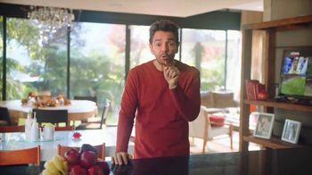 DishLATINO TV Spot, 'Es por ti: precio fijo' con Eugenio Derbez, canción de Maná [Spanish]