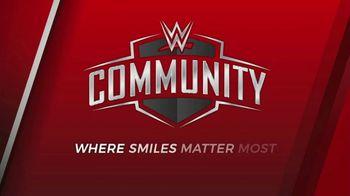 WWE TV Spot, 'Donde las sonrisas importan más' [Spanish] - Thumbnail 8