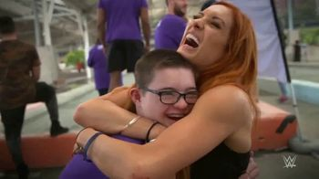 WWE TV Spot, 'Donde las sonrisas importan más' [Spanish] - Thumbnail 7
