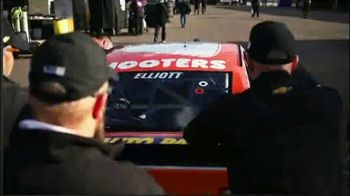 Hooters TV Spot, 'Nine is a Bloodline' Featuring Chase Elliott - Thumbnail 3