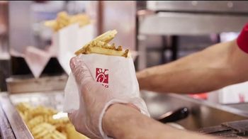 Chick-fil-A TV Spot, 'Little Things: Grade A' - Thumbnail 4