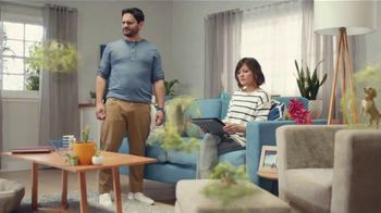 Febreze FABRIC Refresher TV Spot, 'Soft Surfaces'