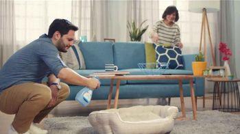 Febreze FABRIC Refresher TV Spot, 'Soft Surfaces' - Thumbnail 7