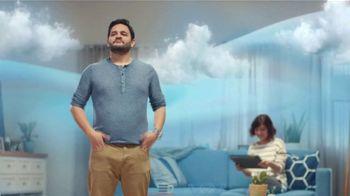 Febreze FABRIC Refresher TV Spot, 'Soft Surfaces' - Thumbnail 8