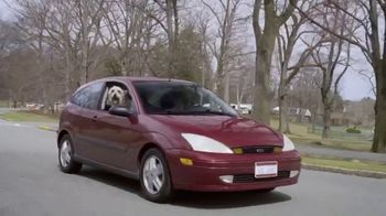 Febreze Car Vent Clips TV Spot, 'Olor de perro' [Spanish] - Thumbnail 3