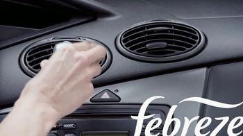 Febreze Car Vent Clips TV Spot, 'Olor de perro' [Spanish] - Thumbnail 7