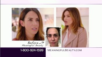 Meaningful Beauty TV Spot, 'Pop-Up Event' Featuring Cindy Crawford - Thumbnail 3