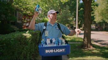 Bud Light TV Spot, 'Beer Vendor: Landscaping'