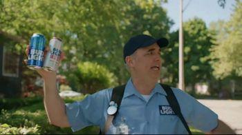 Bud Light TV Spot, 'Beer Vendor: Landscaping' - Thumbnail 5
